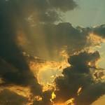 wolken-sonnenstrahlen-k